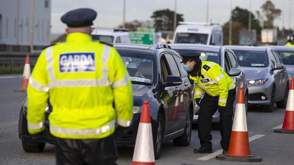 Gardaí have promised to maintain high visibility checkpoints this weekend to ensure adherence to Covid-19 regulations.