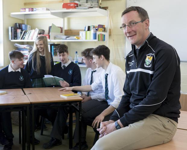 Patrick O'Driscoll, Politics and Society teacher at Coláiste Dún Iascaigh, Cahir, discusses the referendum with his pupils. Photo: Don Moloney/Press 22