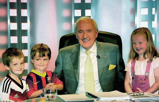 RTE World Cup RTE host Bill O'Herlihy in the studio with grandchildren (from left) Bill O'Herlihy-Ryan (4), Jack Conlon (5) and Martha O'Herlihy-Ryan (5)