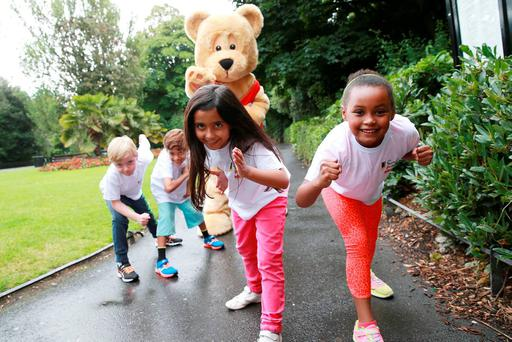 Senin Singh, Oran Kennedy, Charlotte Reddy, Aurelia Fokas and the Hamleys Bear launch the Dublin Simon Community 5k Fun Run which takes place in the Phoenix Park on October 3