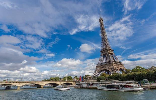 Try a boat trip on the Seine