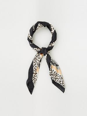 Scarf, €9, New Look