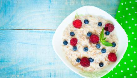 The wholegrains found in oats , as well as brown bread and brown rice, are the key to midlife weight loss