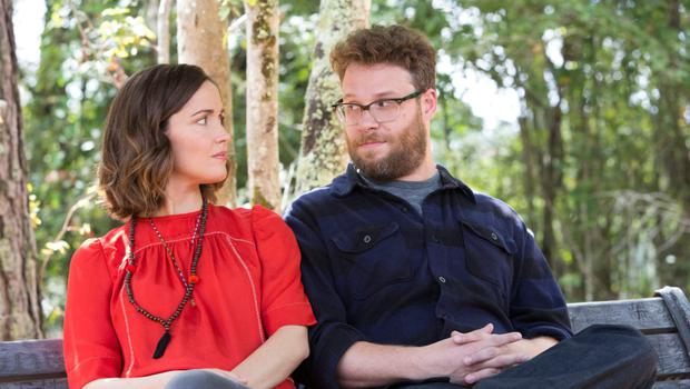 Battleground: Rose Byrne and Seth Rogan bond as husband and wife team Kelly and Mac in 'Bad Neighbours'