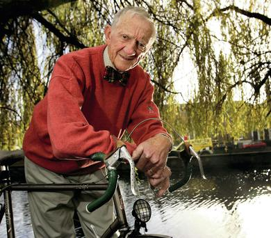 Risteard Mulcahy, aged 91, has given up his car in favour of the bicycle. Photo: Gerry Mooney