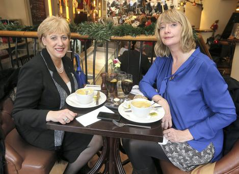 Heather Humphreys and Lise Hand at lunch in Matt the Thresher Restaurant
