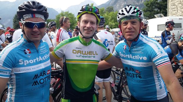 Shane Phelan with friends and fellow riders (left) Ogie Horgan and (right) David Conachy at the starting line