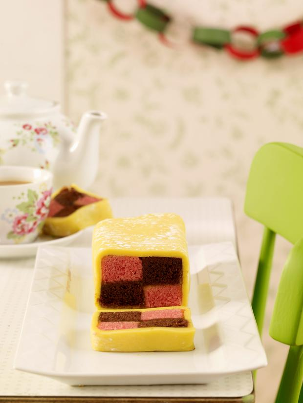 Almond and chocolate battenberg