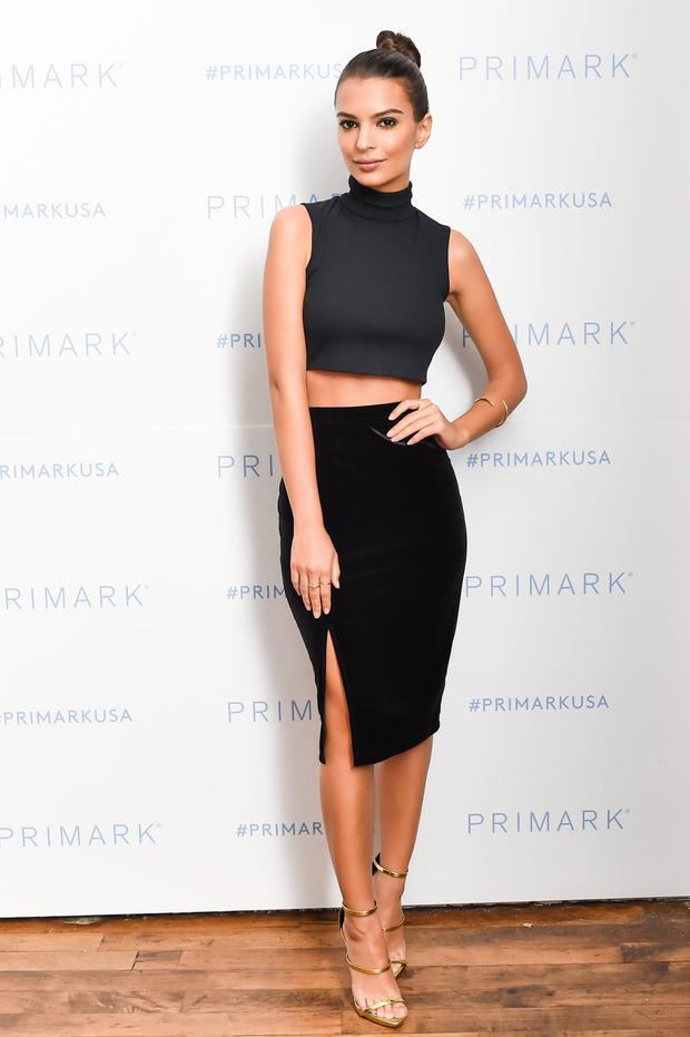 Emily Ratajkowski stole the show in a crop top and sext velvet-look skirt