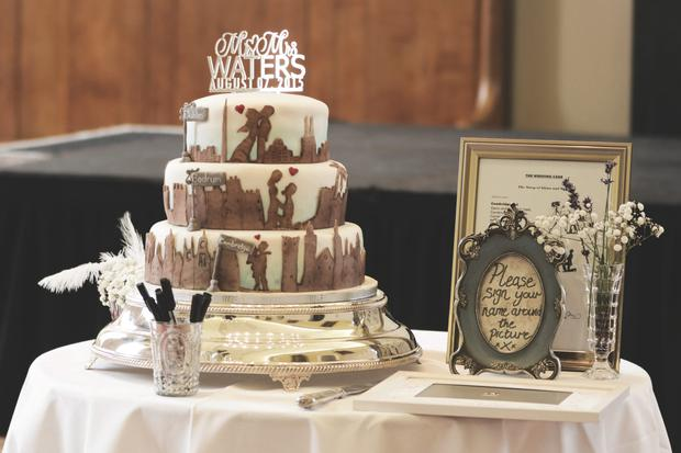 The cake featuring different tiers. Photo: Ewa Figaszewska.