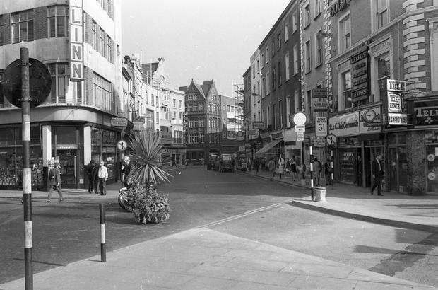 Grafton Street before it was closed to traffic.