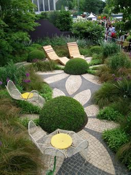 Diarmuid Gavin's Westland garden with daisy paving at the Chelsea Flower Show