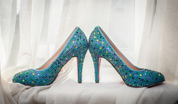 James found Caoimhe's perfect wedding shoes online. Photos by Philip O'Neill Photography.