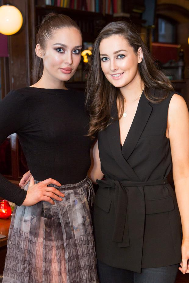 Roz Purcell, left, and her sister Rachel, right. Picture: Martina Regan