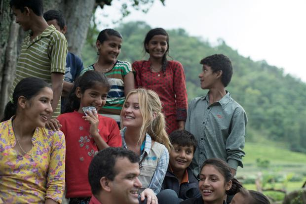 Laura chats to members of the Shrijanshil Child Club in Melamchi, Sindhupalchowk District, Nepal. Photo: Matthieu Chardon @Matthieufilms