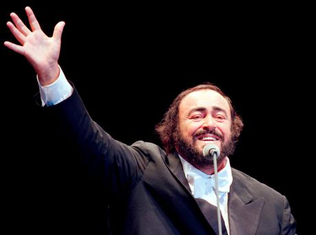 Pavarotti during a concert in Moscow
