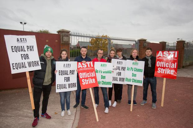 Class war: Teachers on the picket line at Pobalscoil Neasáin, Baldoyle, on Thursday. Photo: Mark Condren