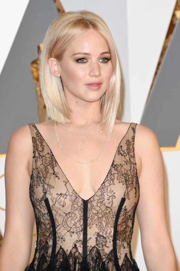 Jennifer Lawrence prefers a more natural look