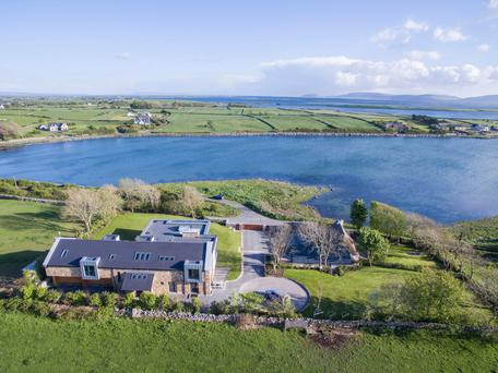 Mweeloon is perfectly sited for coastal walks and watersports in the shallow bay