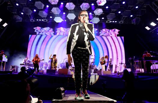 Arcade Fire storm United Kingdom albums chart