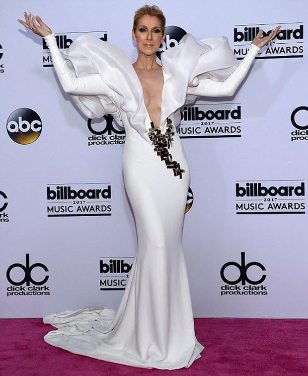 Celine Dion in a Stephanie Rolland dress