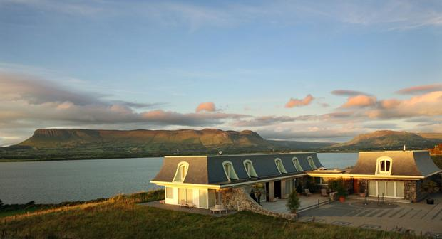 Seaview House is designed to echo the shape of Benbulben, while its guest quarters mimic that of the sister mountain