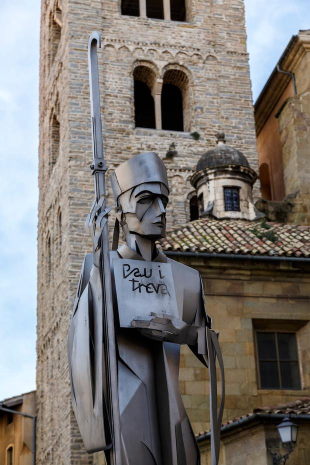 A statue of Oliba, bishop of Vic