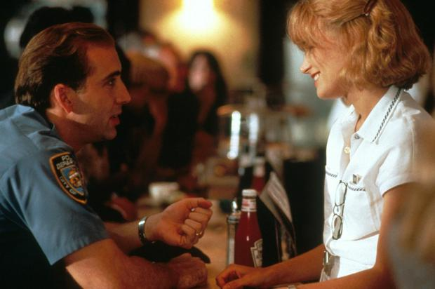 Nicolas Cage promises to share the winnings of his lottery ticket with Bridget Fonda when he realises he has no change for a tip in It Could Happen To You