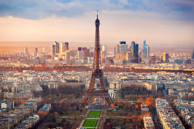 A view of the Eiffel Tower while facing towards the business district of La Defense