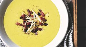 Curried apple and parsnip soup
