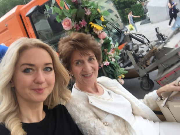 Niamh and her mum in Vienna