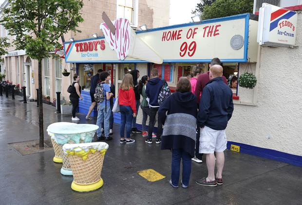 Queues outside one of the Teddy's Ice-Cream stores in Dún Laoghaire. Photo: Damien Eagers / INM
