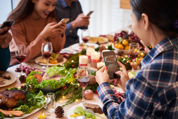 Tell your family about your digital detox so the phones are put away for dinner time at least