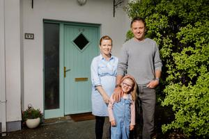 On the move: Pearl and Mike Heneghan and their daughter Maya regularly swap their Sligo home. Photo: James Connolly