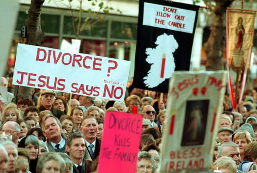 Campaign: People at an anti divorce rally in Dublin in 1995. Photo: RollingNews.ie