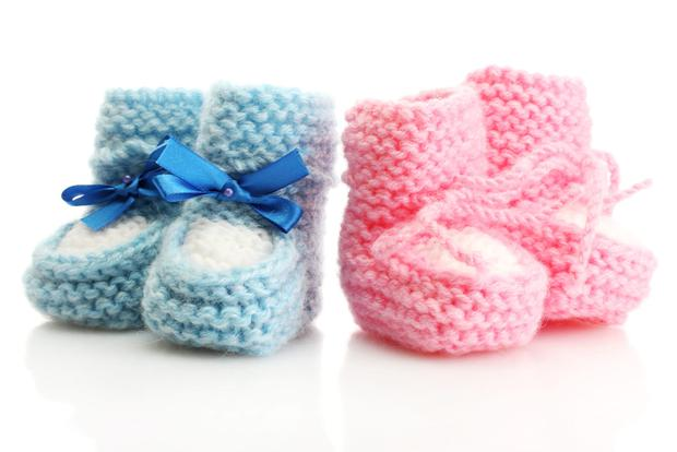 ac01546e63d5 Pink Vs Blue  Does it matter what colours you dress your baby in ...
