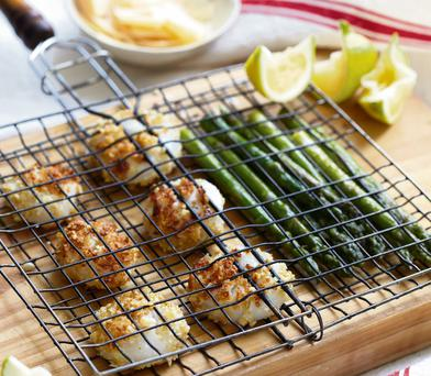 Panko parmesan scallops with grilled asparagus