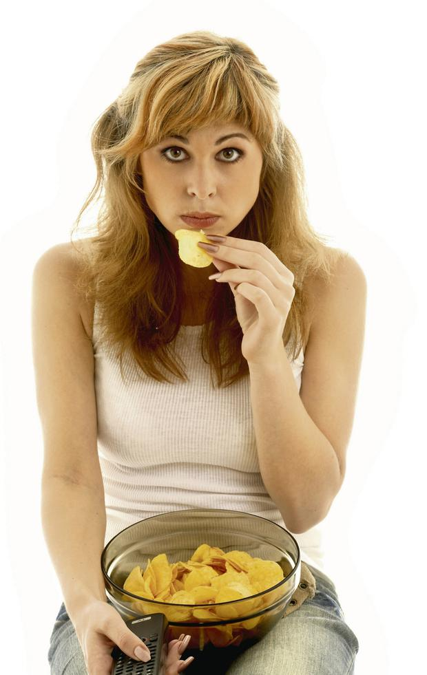 Hunger games: snacking. Picture posed/Thinkstock