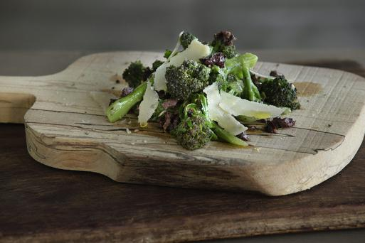Broccoli with lemon, garlic and mature Coolea