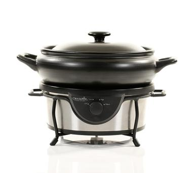 Crock-Pot Sauté Traditional Slow Cooker, €59.99, available at Currys.ie