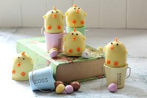 No bake Easter chick cakes
