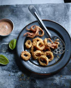 Calamari with roasted red pepper ailoi