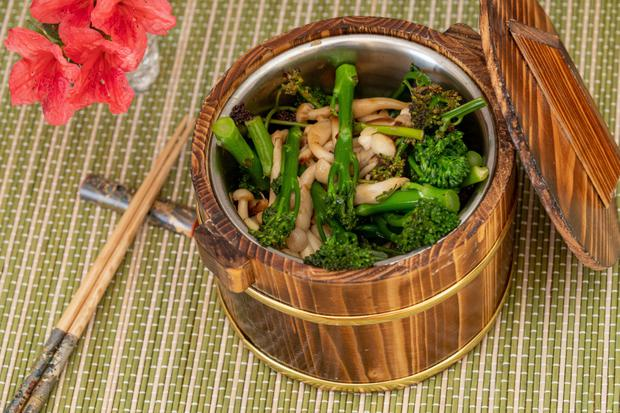 Sautéed Enoki Mushrooms with Whole Garlic & Broccoli
