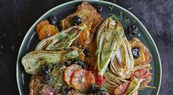 CHICKEN THIGHS WITH FENNEL, BLACK OLIVES AND BLOOD ORANGES