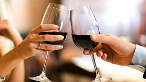 Alcohol in moderation may help the heart by calming stress signals. Photo: Stock.