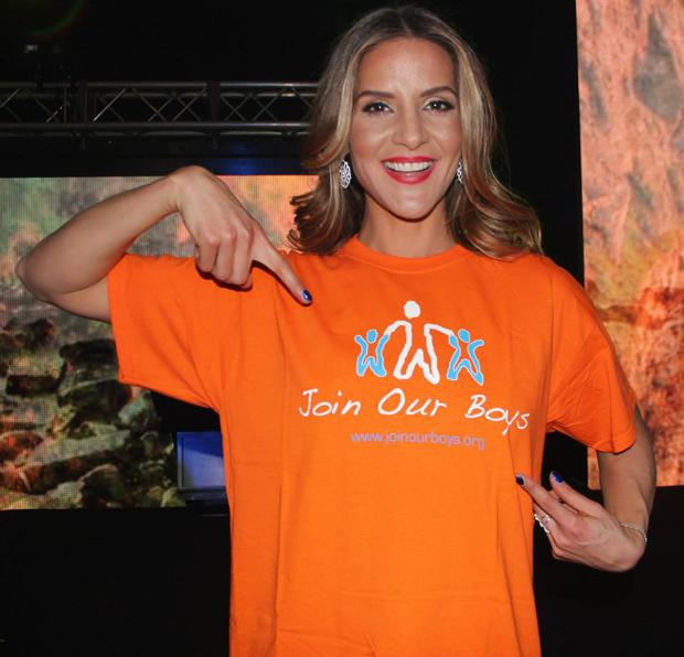 Amanda Byram wearing a 'JoinOurBoys' charity t-shirt at the Irish Mirror Pride of Ireland awards