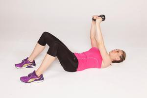 Pullover with kettlebell 2