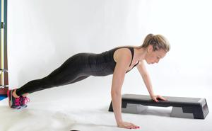 Uni box push up 2.Then simply push up to straight arm position and lower down to the ground keeping your back flat throughout the exercise. Repeat all reps on one side before alternating to the other side.