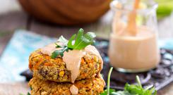 Veggie burgers with sweet potato and chickpeas
