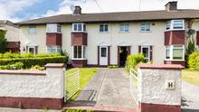 44 Hollyfield Grove, Clontarf, Dublin 3